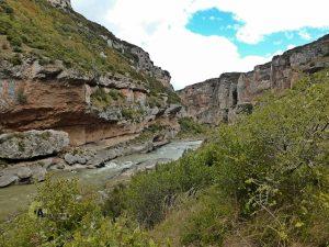 rio Irati a su paso por la Foz de Lumbier