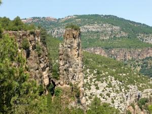 Formaciones rocosas en la sierra de Gudar