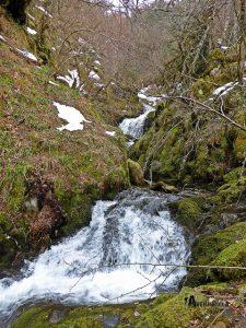 cascada en la ruta de los Tejos