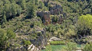sendero junto al río Mijares