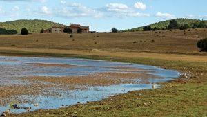 Casas de la Laguna en Bezas