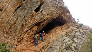Cueva en Araia